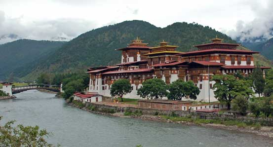 Tour of Punakha dzong Bhutan as part of Nepal Tibet Bhutan tour