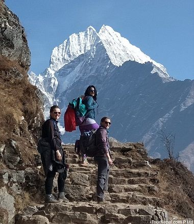 Short Everest trek with the background of Thamsherku